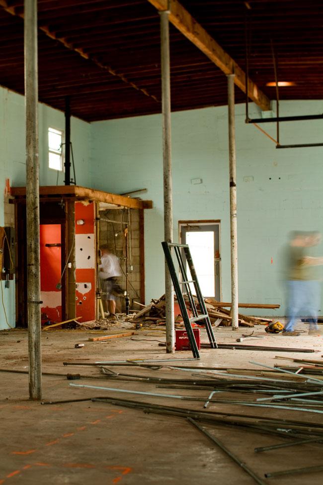 barn_light_electric_new_building_interior