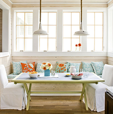 Complementing Styles Found In Vintage Beach Decor