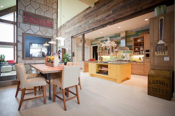 extreme makeover home edition hall family dining room lighting blog. Black Bedroom Furniture Sets. Home Design Ideas