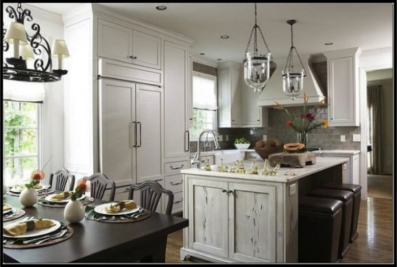 Beau Vintage Ceiling Lighting For A Classic Farmhouse Kitchen