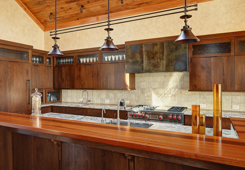 Barn Chandeliers Add Dash of Rustic Flavor to Modern Kitchen & Barn Chandelier Adds Dash of Rustic Flavor to Modern Kitchen | Blog ...