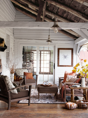 Rustic Pendant Lighting Adds Western Style To Charming Sunroom