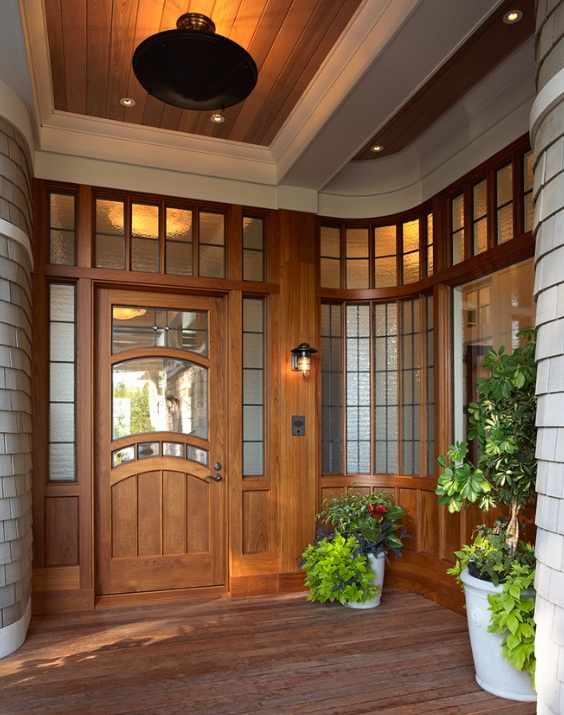 Rustic Sconce Adds Welcoming Nautical Touch To Grand