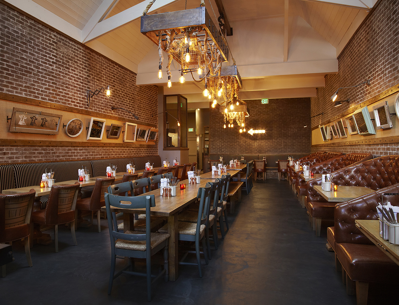 Industrial pendant vintage light bulbs grace new la for Hell s kitchen restaurant la