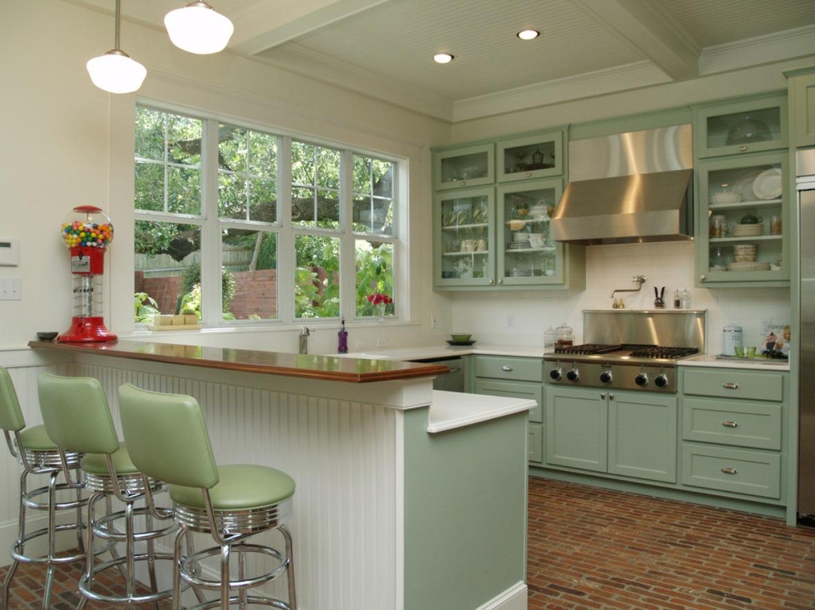 Schoolhouse Shades Lend Texas Sized Style To Austin Kitchen