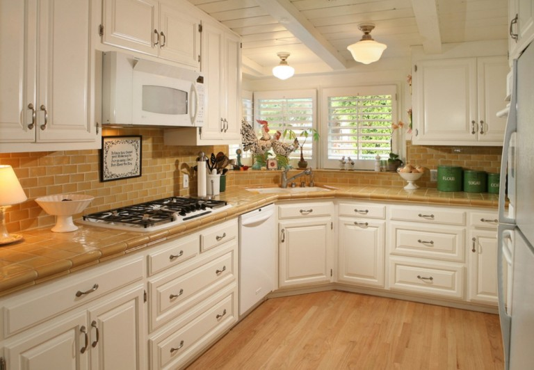 Schoolhouse lights bring out the best in old school design - Kitchen and bath design schools ...