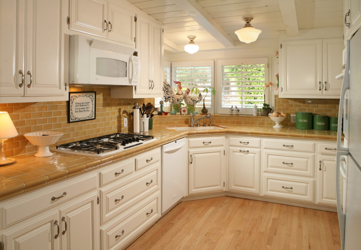 Kitchen Backsplash Ideas with White Cabinets 1225 x 850