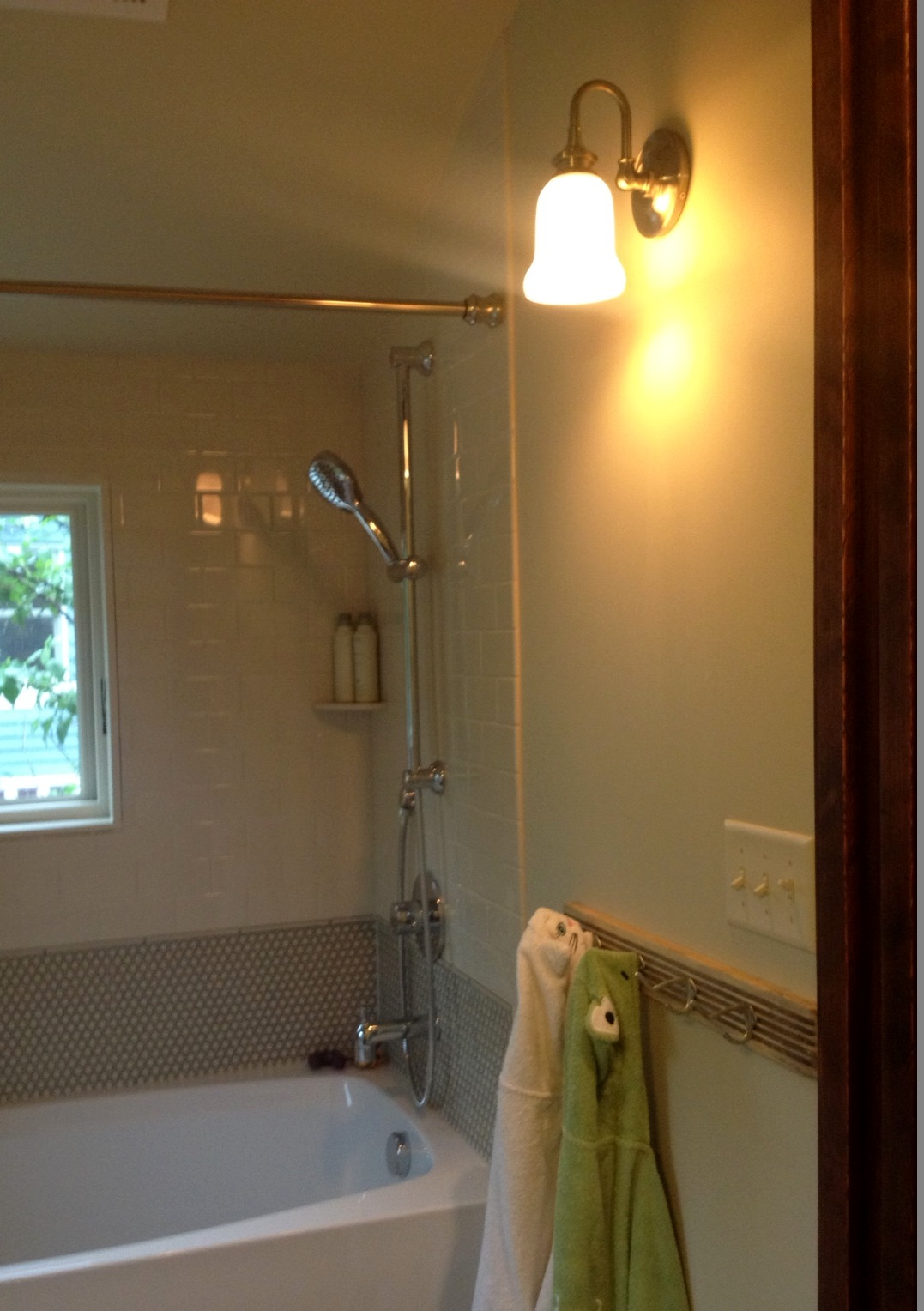Vintage Vanity Lights Add Retro Spin To Kids Bath Remodel