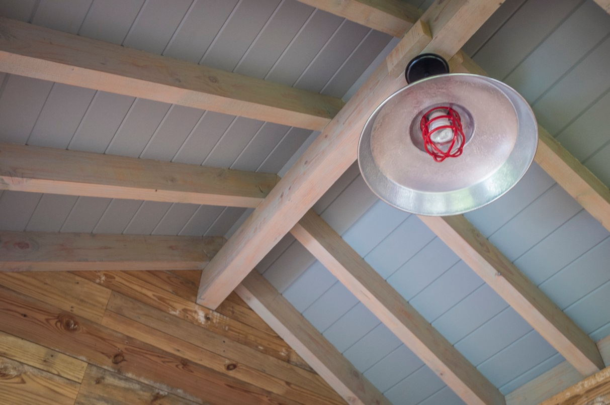 American Made Barn Light With Cast Guard For English