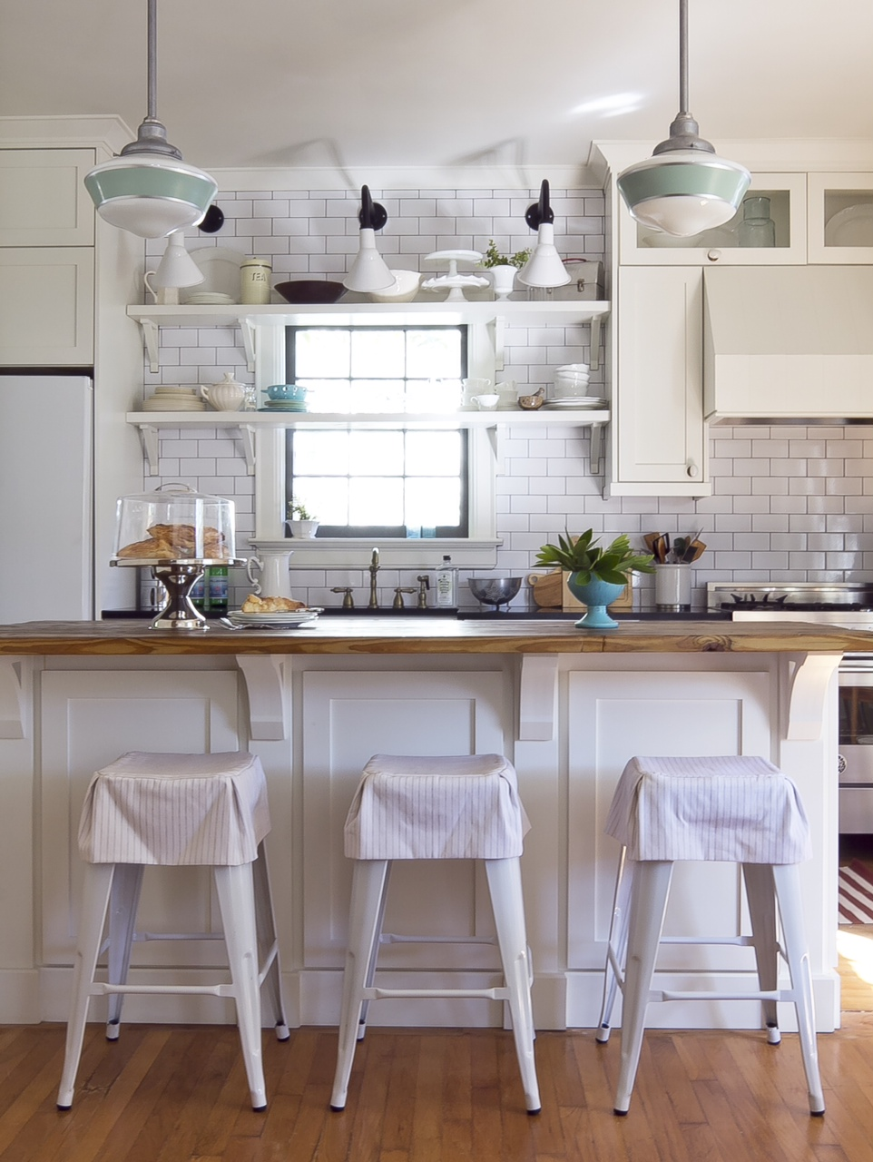 Angle shades a risky rewarding choice for decatur kitchen for Farmhouse style kitchen lighting