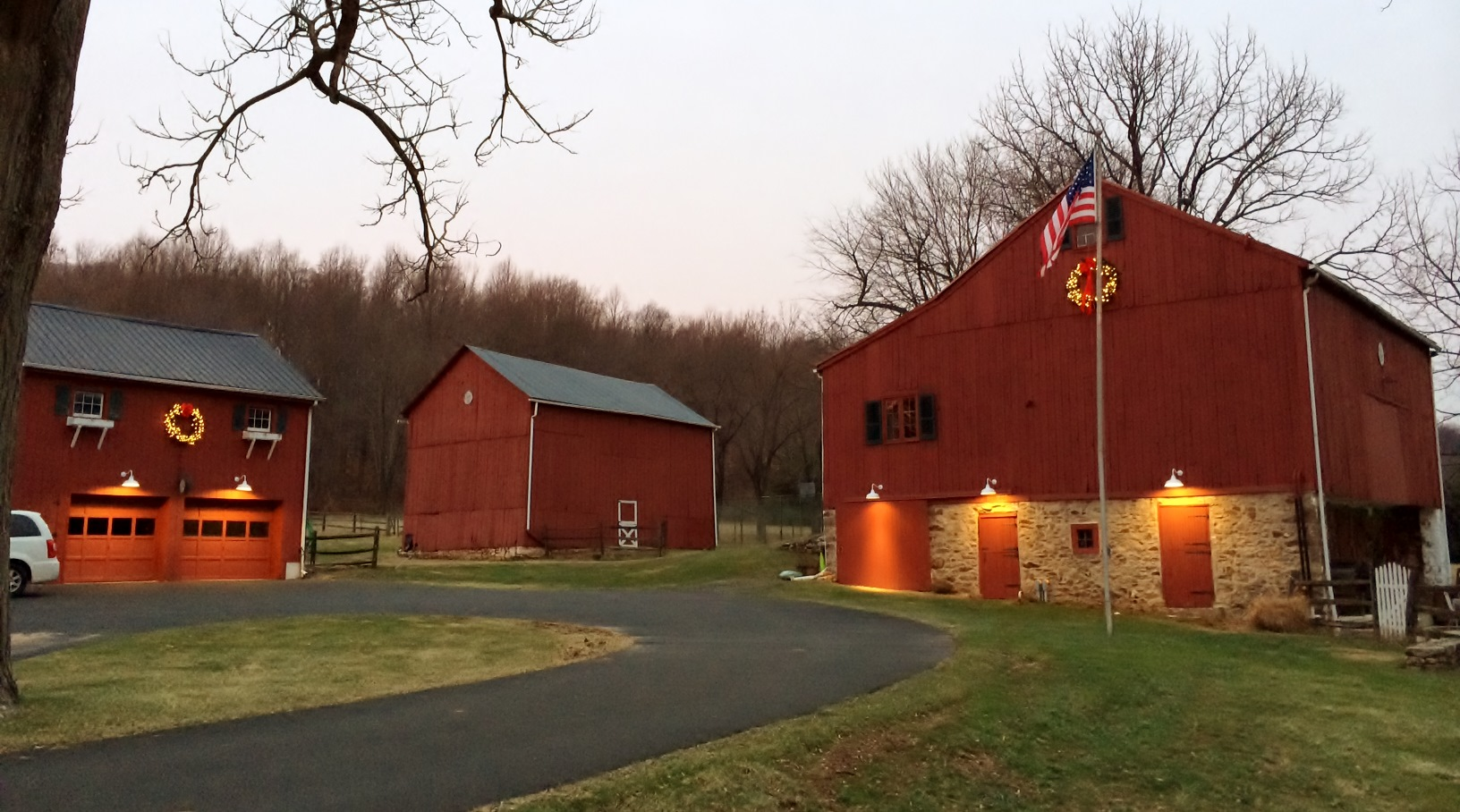 Classic barn lights for pennsylvania barns carriage for Modern pole builders