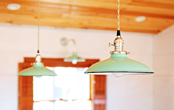 Blogger 39 s diy renovations take shape with porcelain for Diy kitchen light fixtures