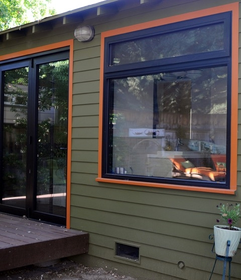 Mid century lighting plays role in bungalow makeover - Mid century modern exterior lighting ...