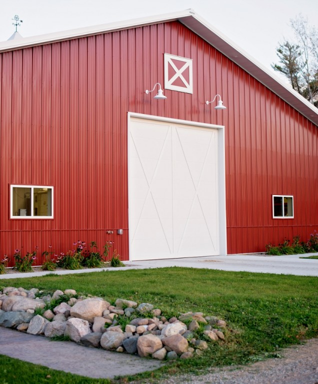Featured Customer | Laramie Family Of Barn Lights Adds Traditional Touch To  Metal Barn