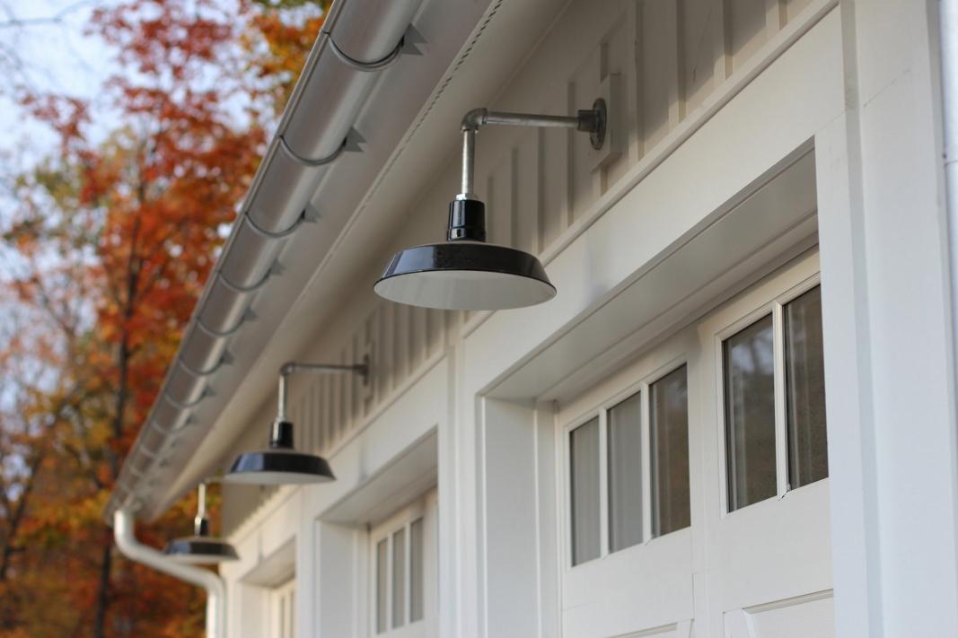 Barn Lighting fers Authentic Feel in Modern Farmhouse