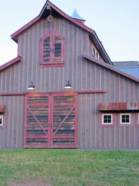 Gooseneck Barn Lights Lend Authenticity