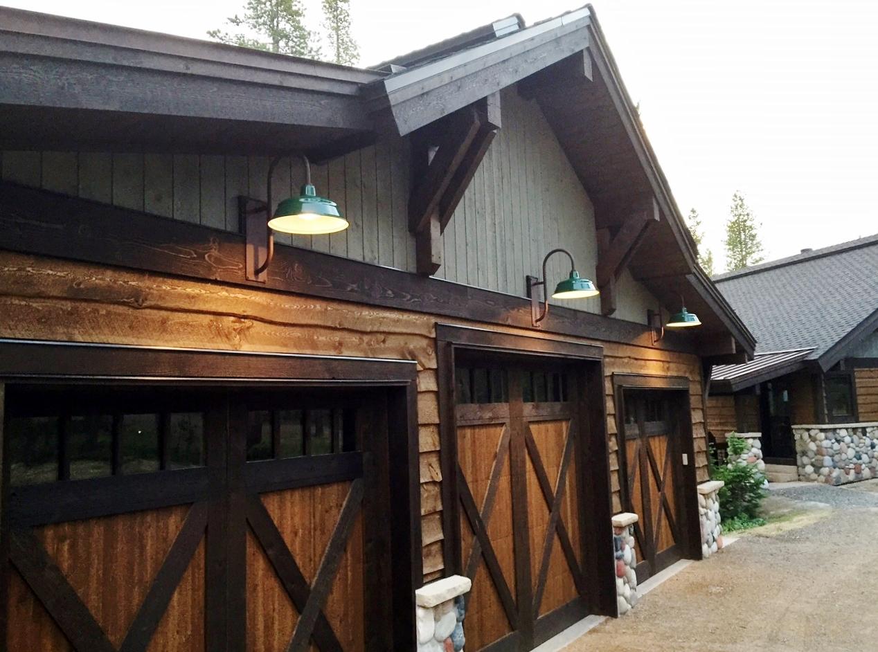 Gooseneck Barn Lights Offer Superior Downlighting For