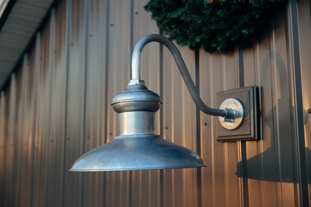 Gooseneck Barn Light Adds Style To Pole