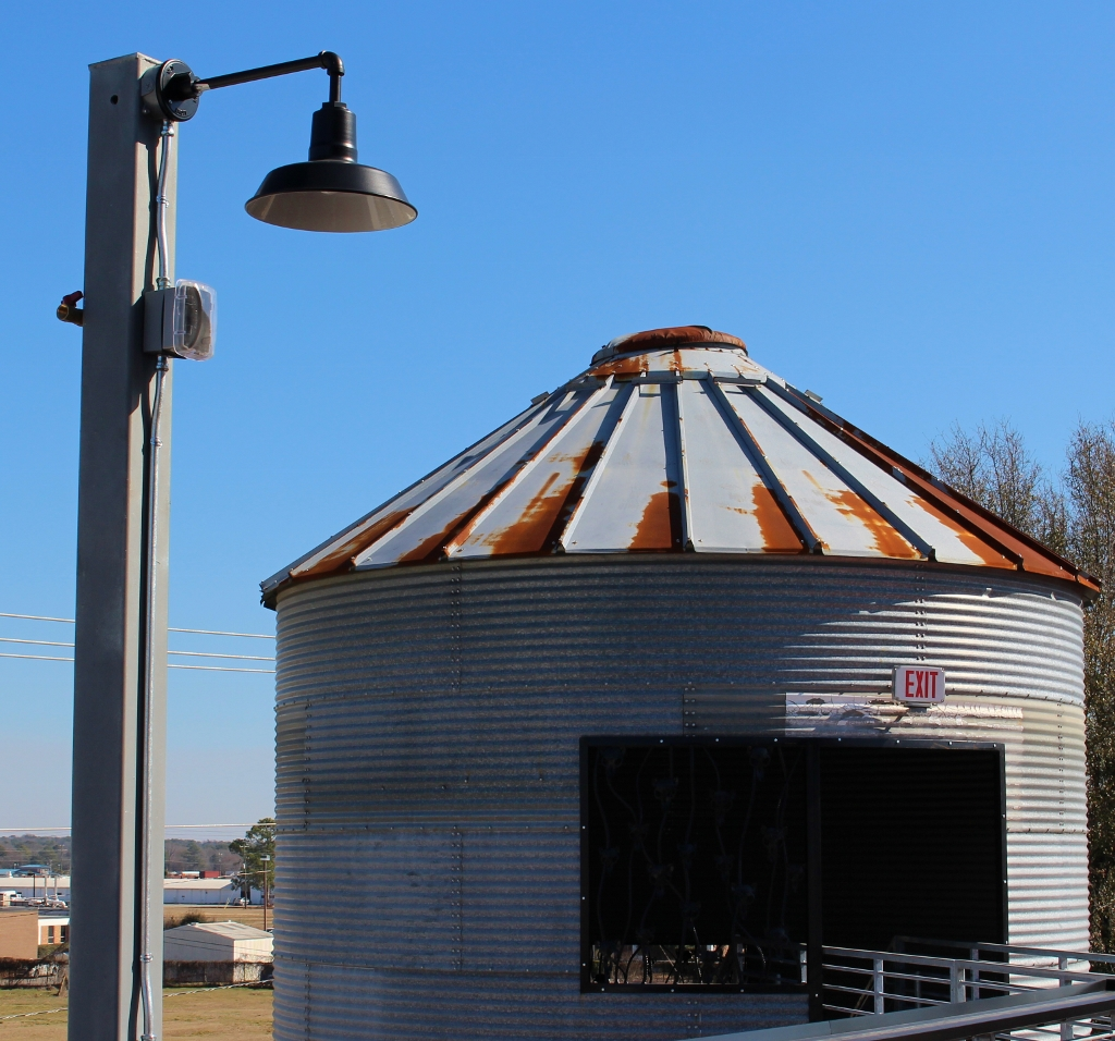 gooseneck barn light