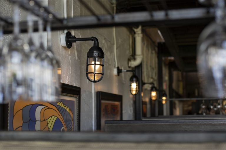 industrial restaurant lighting