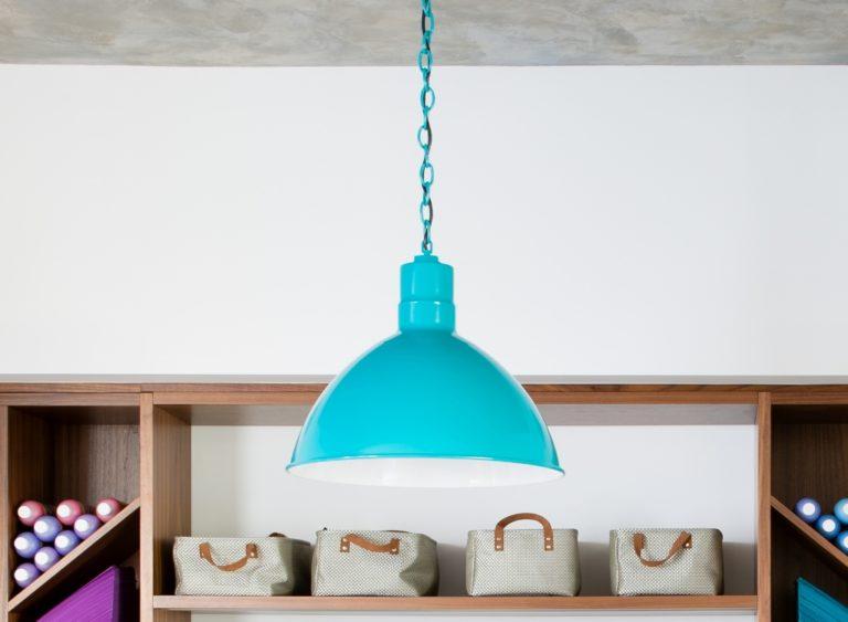 chain hung pendant light